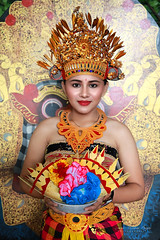 Balinaise. (jmboyer) Tags: ba6759 ©jmboyer bali indonésie asie asia travel canon géo portrait