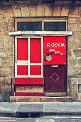 Les rides du vieux Bordeaux.... rouges (Isa-belle33) Tags: architecture bordeaux urban urbain city ville wall mur door porte fujifilm old ancien colors couleurs rouge red shop storefront street streetart magasin boutique streetphotography streetartbordeaux