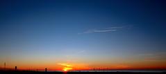 Amanecer en la costa dorada.- (angelalonso4) Tags: canon eos 7d mark ii tamron 16300mm f3563 di vc pzd b016 ƒ100 160 mm 1200 125 naranja orange paisaje amanecer mediterraneo agua water cielo sky siluetas 2019 composition effect outstanding blue azul