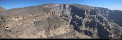 Panoramic view, Jebel Shams, Oman (JH_1982) Tags: jebel shams jabal جبل شمس dschabal schams djebel 沙姆山 シャムス山 эшшам al hajar mountains جِـبَـال الْـحَـجَـر grand canyon nature natur landscape scenery scenic vertigo vertical edge climbing hiking elevation schlucht rocks rocky mountain berge gebirge desert wüste panoramic view aussicht ausblick panorama panoramica 全景图 파노라마 панорама oman sultanate سلطنة عُمان sultanat sultanato omán 阿曼 オマーン 오만 оман