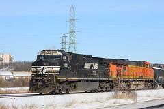 Late A446 (recekasten) Tags: cn railroad ns signals wisconsin neenah medina junction 446 zebra beast eje bnsf