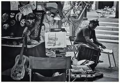 Street Photography (JOSEAN GOMEZ) Tags: textures texturas blackwhite blancoynegro viejosanjuan men analogue artista streetphotography silverefexpro2 sombras films35mm fotocallejera fotografiacallejera gente hats lightroom 35mm epsonperfectionv500scanner urban oldsanjuan