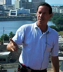 tour guide in Cartagena, Colombia (miosoleegrant2) Tags: vacation tourist man male butch guy gentleman men guys dude studly manly dudes handsome stud condid hunk sexy masculine people mature maturity prime elder experienced savory mellow sophisticated worldly seasoned developed manhood older