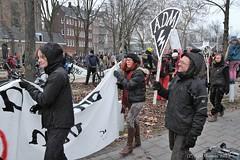 Demonstratie tegen ontruiming ADM-terrein (Bobtom Foto) Tags: adm terrein amsterdam demonstratie politie