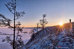 XT2A6832 (愚夫.chan) Tags: 俄羅斯 russia 貝加爾湖 lakebaikal 奧利洪島 olihongisland 大陸裂谷湖 淡水湖 西伯利亞聯邦 siberia 冰 雪 冰面 冰裂 湖 lake ice sunrise 日出 sun