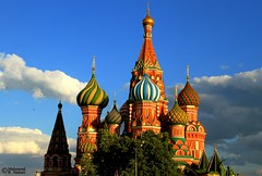St Basil's Cathedral (Mahmoud R Maheri) Tags: stbasilscathedral moscow redsquare russia cathedraloftheintercession cathedral church domes sky clouds sunshine coloureddomes vasilyia