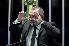 Plenário do Senado (Senador - RR) Tags: plenário senadortelmáriomotaprosrr sessãonãodeliberativa mãos gesticulação brasília df brasil bra