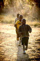 Malawi welcome (styrphoto) Tags: welcome smiles running malawi africa