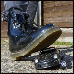 Mülheim (abudulla.saheem) Tags: docmartens boots stiefel shoes schuhe porsche car auto toy spielzeug mülheim ruhrpott ruhrarea ruhrgebiet nrw germany deutschland panasonic lumix dmctz31 abudullasaheem