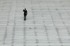 Selfie with Pigeon (just.Luc) Tags: france frankrijk frankreich francia frança parijs parigi paris îledefrance stairs trappen marches steps architectuur architecture architektur arquitectura man male homme hombre uomo mann pigeon taube dove selfie monochrome monochroom monotone grandearche ladéfense