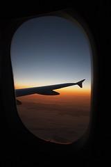Amanecer Desde El Avión (PoLiTvS) Tags: 2011 2011india1 aviones digital europa formatos lugares sol transportes viajes