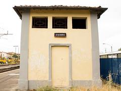 Regionale Veloce / 49 (Attimo) Tags: italia toscana lucca altopascio stazione treni ferrovia estate 2018 regionaleveloce