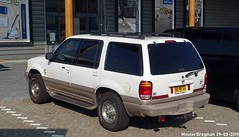 Mercury Mountaineer 5.0L V8 1999 (XBXG) Tags: 06nvgs mercury mountaineer 50l v8 1999 mercurymountaineer ford explorer suv windsor windsorv8 hje wenckebachweg duivendrecht amsterdam nederland holland netherlands paysbas youngtimer american car auto automobile voiture ancienne américaine us usa vehicle outdoor blanc white