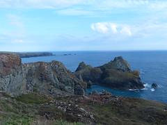 The Lizard Peninsula (Marit Buelens) Tags: seascape view uk england cornwall lizard thelizardpeninsula peninsula cliff klippen schiereiland lizardcoastalwalk walking poldark