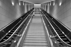 ✪大塚国際美術館の長~いエスカレーター (haguronogoinkyo) Tags: nikon d610 japan 徳島 鳴門 四国 大塚 国際 美術館 大塚国際美術館 エスカレーター escalator art museum