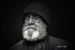 52 yago (juansolergomez) Tags: retrato blanco y negro hombre barba gafas gorro