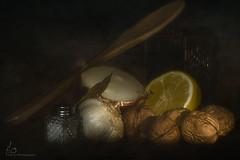 Classic still life III (ILO DESIGNS) Tags: stilllife kitchen classic traditional retro fineart pictorial texturing artistic home indoor naturallight availablelight closeup d3300 sigma15028 color bodegón luznatural cocina fotografíadeautor artística naturalezamuerta interior