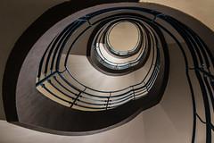 Like a bird (michael_hamburg69) Tags: hamburg germany deutschland treppe stairs school schule photowalkmitelbmaedchen unterwegsmitjutta blue geländer handrail architekt fritzschumacher 19281929 staircase blau