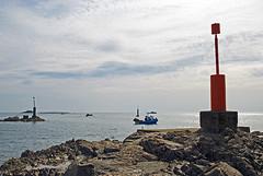 Normandie (Auderville - Port de Goury) 2016 / Normandy (Auderville - Port of Goury) 2016 (Joseff_K) Tags: portofgoury portdegoury bateaudepeche bateau boat auderville normandie normandy cotentin cloud nuage mer sea lamanche manche thechannel channel ciel sky goury nikon nikond80 d80 tamron tamron1750f28