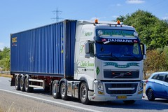 AJ90458 (18.07.24, Motorvej 501, Viby J)DSC_6300_Balancer (Lav Ulv) Tags: 256617 charliejensen perjensentransport volvo volvofh fh460 e5 euro5 6x2 fh3 white container seaco truck truckphoto truckspotter traffic trafik verkehr cabover street road strasse vej commercialvehicles erhvervskøretøjer danmark denmark dänemark danishhauliers danskefirmaer danskevognmænd vehicle køretøj aarhus lkw lastbil lastvogn camion vehicule coe danemark danimarca lorry autocarra danoise vrachtwagen motorway autobahn motorvej vibyj highway hiway autostrada artic articulated semi sattelzug auflieger trailer sattelschlepper vogntog oplegger sættevogn trækker hauler zugmaschine tractorunit tractor