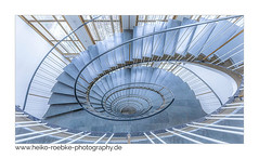 whirlpool! (Heiko Röbke) Tags: treppenhaus de architektur color farbe treppe abstract architecture staircase canon5dmkiv 2019 hannover sigma1224mmf40dghsmart