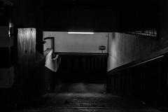 Entrada a garaje (Garimba Rekords) Tags: blancoynegro bn vitoria gasteiz vitoriagasteiz eh euskadi euskalherria basque country pais vasco araba álava garaje