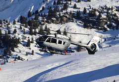 IMG_4602 (Tipps38) Tags: hélicoptère aviation photographie montagne alpes avion courchevel neige helicopter 2019 planespotting
