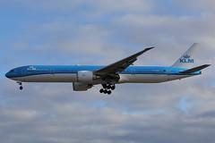 "Klm AIrlines""Yakushima"" PH-BVF (shumi2008) Tags: klmairlines klmairlines777 royaldutchairlines boeing777 b777 b777300er torontopearson pearsonairport planespotting aviation4u aviation4life aviationfans aviationpics aviationphotography avgeekoffical avgeekaviation avgeekspotter instaplane instaaviation canon70d canon70photography yyz cyyz"