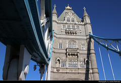 Tower Bridge, London, UK (JH_1982) Tags: tower bridge puente torre 倫敦塔橋 タワーブリッジ 타워 브리지 тауэрский мост thames river themse icon symbol famous cable steel brücke pont victorian gothic landmark building historic architecture architektur london londres londra 伦敦 ロンドン 런던 лондон england inglaterra angleterre inghilterra uk united kingdom vereinigtes königreich reino unido royaumeuni regno unito 英国 イギリス 영국 великобритания