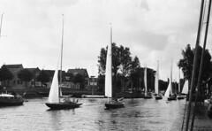 Mini regatta (Arne Kuilman) Tags: lostandfound zimmermans photos photonotmine scan v600 epson holiday found gevonden zeilen zeilrace