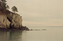 Saint-Hernot (leniners) Tags: 2018 france saint hernot sainthernot presquile crozon presquiledecrozon bretagne brittany beach plage finistere silbersalz35 leica m6 leicam6