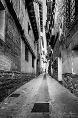 75/2019 (Salva Mira) Tags: albarracín aragón aragó teruel terol carrer calle bn bw salvamira salva salvadormira