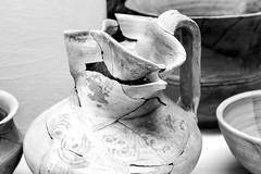 Museo de La Hoya (Jo March11) Tags: alava paísvasco euskalherria euskadi lahoya yacimiento historia arqueología pobladodelahoya laguardia museo edaddehierro blancoynegro monocromo ieletxigerra idoiaeletxigerra eletxigerra canon canoneos