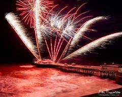 CromerPfireW4 (Mike Higginson   frazaz.com) Tags: cromer pier fireworks 24mm tse norfolk coast seaside sea coastal piers canon