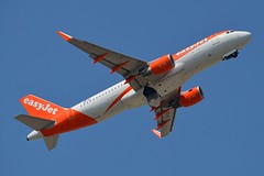 easyJet Europe OE-IZF Airbus A320-214 Sharklets cn/6831 @ EGKK / LGW 28-05-2018 (Nabil Molinari Photography) Tags: easyjet europe oeizf airbus a320214 sharklets cn6831 egkk lgw 28052018