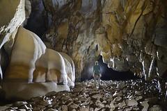 Tham Pa Yem, province de Kasi, Laos (flallier) Tags: laos kasi karstique karst grotte cave caving cavers speleo spéléologie souterrain underground chasm gouffre canyon canyoning concrétions spéléothème rivière river spéléologue silhouette inexploré unexplored explo exploration asie asia nikon d800 nikkor 20mm ais muangkasi