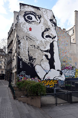 Quiet Zone (Eddie C3) Tags: parisfrance streetviews graffiti streetscenes paris streetart