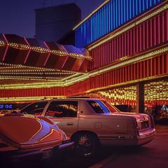 Stardust (Julio López Saguar) Tags: juliolópezsaguar coche car automóvil color colour película film lasvegas nevada usa unitedstates estadosunidos casino stardust reflejos reflections noche night diapositiva slide hasselblad