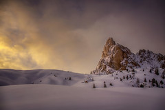 Al calar del sipario (Gio_guarda_le_stelle) Tags: dolomiti dolomites dolomiten sunset snow alps mountainscape clouds sun sky evening 4 i tramonto quiet atmosphere cold ice passogiau
