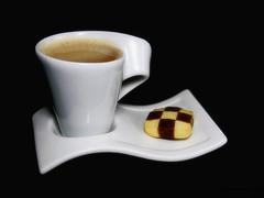 Sonntags Kaffee (ingrid eulenfan) Tags: 2019 kaffeepause pausecafé coffebreak 365project kaffee espresso cappuccino cup coffeepot tasse coffee coffeetogo keks