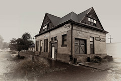 Warsaw Depot (Pete Zarria) Tags: green indiana old decay railroad depot train tracks history small town bw