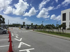 2016-09-25 11.11.53 (jccchou) Tags: okinawa 沖繩 琉球 japan blue sky cloud hotel
