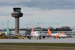 G-EZOF (toptag) Tags: airbusa320214 gezof easyjet lows salzburg aviation