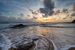 190203 ~ IMG_6618 ~ mencari mentari terbit (alongbc) Tags: sunrise beach coast coastline seascape shoreline landscape cloud sea sky telukbidara kualadungun dungun terengganu malaysia travel place trip canoneos700d 700d canonlens 10mm18mm wideangle