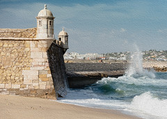 Beauty of the Algarve 3 (Gene Mordaunt) Tags: portugal lagos thealgarve fortress sea water breakwater waves ocean nikon810 castelodosgovernadores harbour