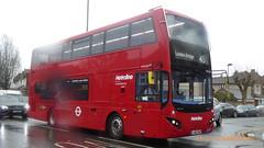 P1150093 VMH2567 LA68 DWZ at Friern Barnet Road Friern Barnet London (LJ61 GXN (was LK60 HPJ)) Tags: metroline volvob5lhybrid mcv evoseti mcvevoseti 105m 10490mm vmh2567 la68dwz nb972