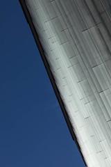 Свечение стеклянных ламелей (Девелоперская компания) Tags: facade lamella glass geometry architecture sky lines glare residentialhouse kandinsky yekaterinburg фасад ламель стекло геометрия архитектура небо линии блики жилойдом кандинский екатеринбург брусника