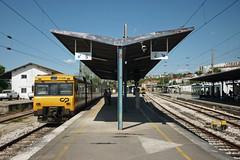 UTD 592-207 (Tiago Alves Miranda) Tags: caminhodeferro railways cp comboiosdeportugal utd 592 592207 comboio train interregional coimbrab cob linhadonorte coimbra portugal tiagoalvesmiranda