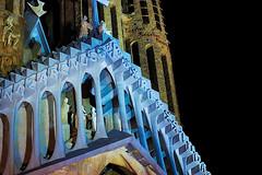 A La Sagrada Familia - a la nit (detail) (Fnikos) Tags: gaudí antonigaudí religion basílica lasagradafamilia construction building architecture sculpture column tower art modernism temple dark night nightview nightshot outdoor