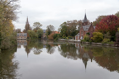 Minnewater, Brugge (itmpa) Tags: bruges westflanders belgium be minnewater mooring moorings waterofthewatersprite unesco worldheritagesite brugge flanders tomparnell archhist canon 6d canon6d